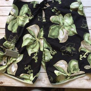 QUICKSILVER EDITION Green Hibiscus Board Shorts 36